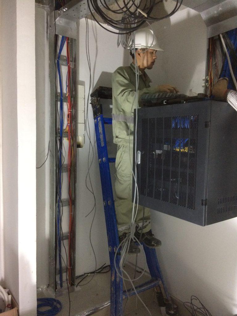 Đấu nối tủ điện nhẹ tầng